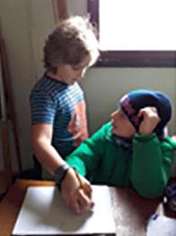 Kinder beim Nativ Lernen
